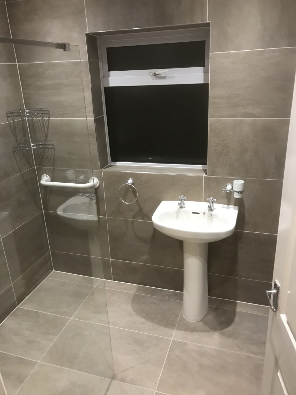 Transforming An Old Bathroom Into A Modern Wet Room